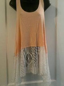 Gorgeous long tank with lace